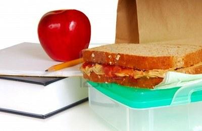 5370885-almuerzo-escolar-que-muestra-el-libro-el-lapiz-el-sandwich-de-mantequilla-de-mani