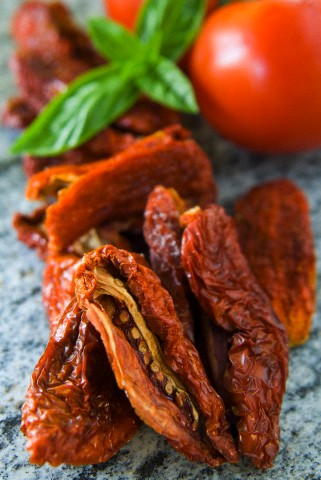 Homemade sun-dried tomatoes, Italy, Europe